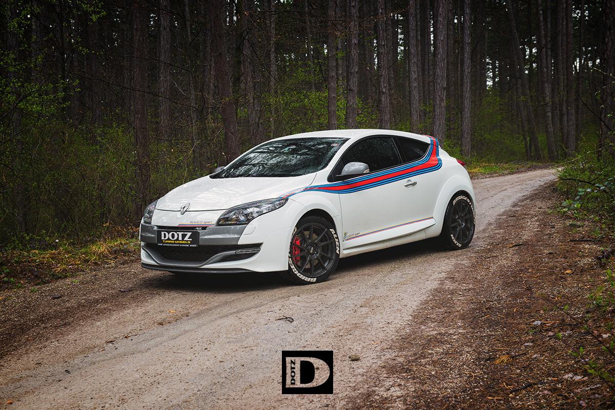 Renault Megane Rs On Dotz Kendo Dark